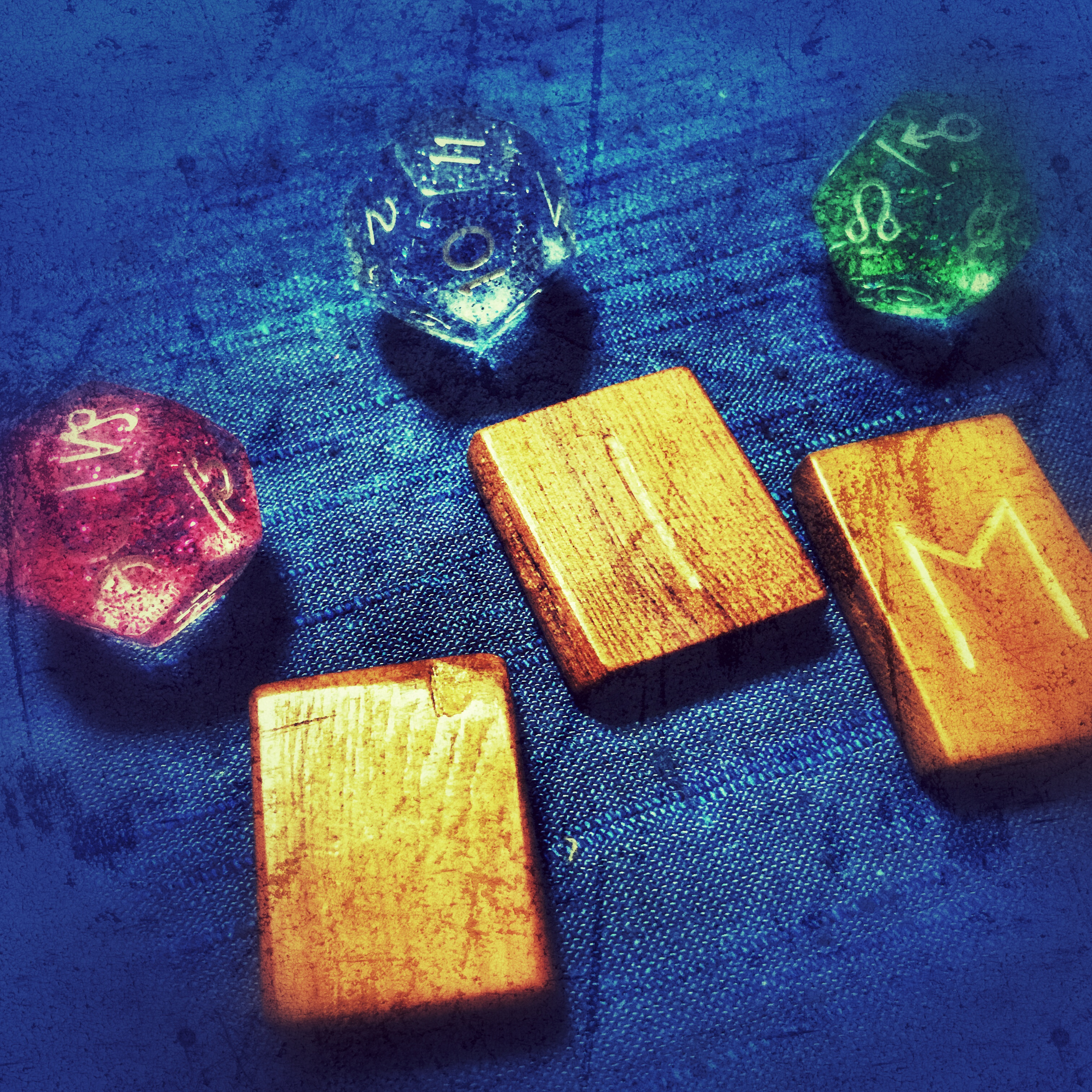 Astrology Dice & RUNE MESSAGE